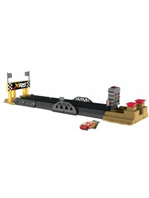 Cars XRS drag racing playset 2-in-1